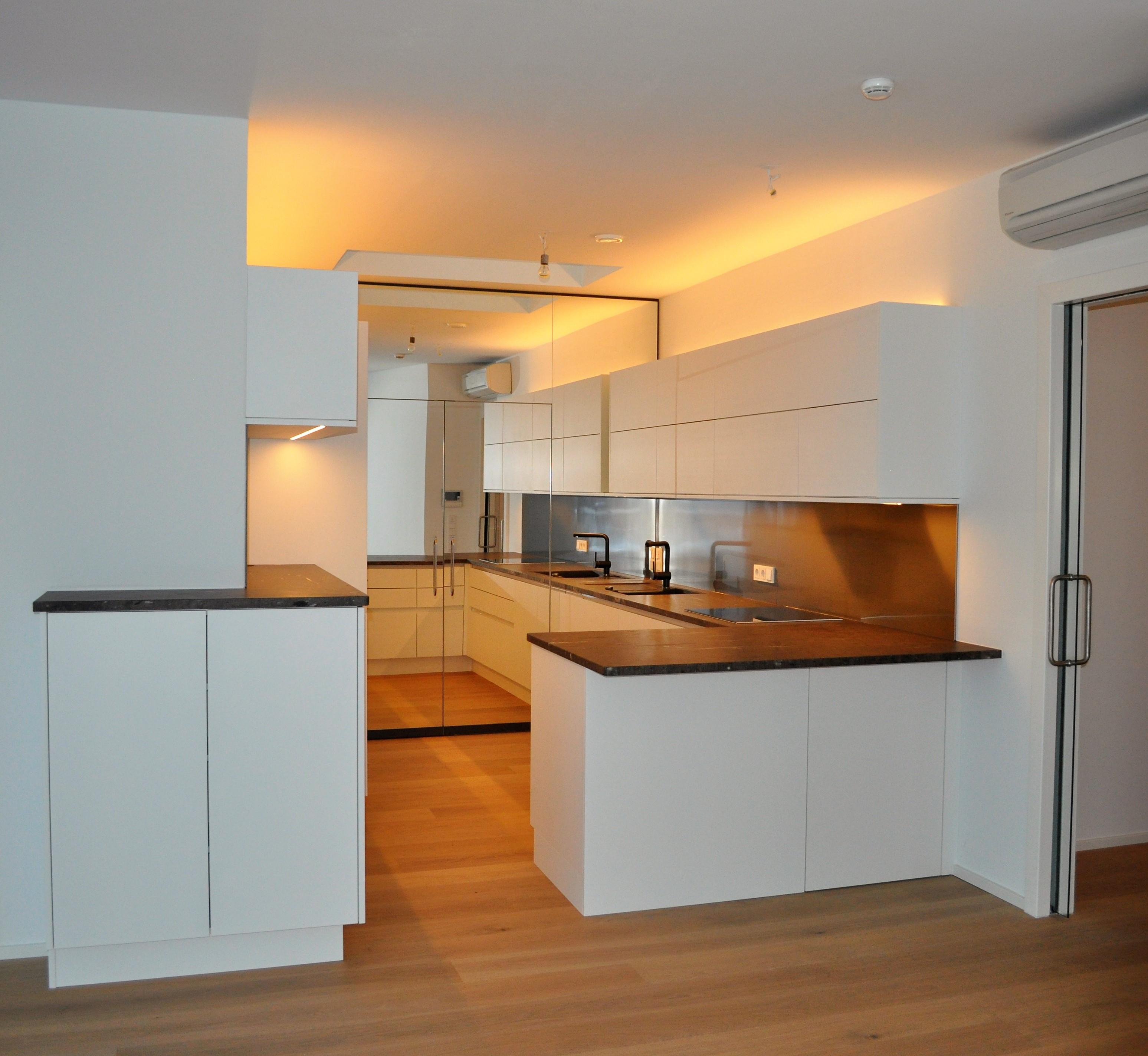 Küche weiss mit Spiegel – Holzwerkstätte Garnweidner